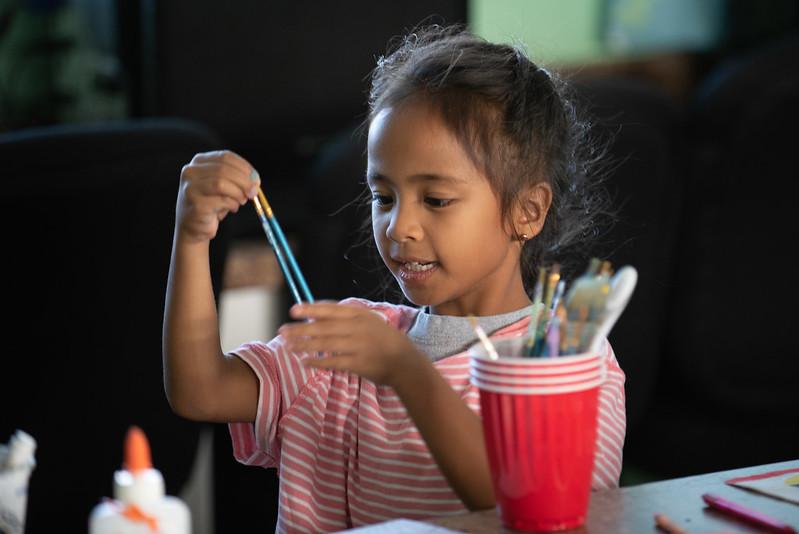 Maui Hui Malama child in art class